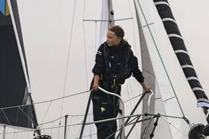 robbie williams condemns greta thunberg critics: 'let her be'