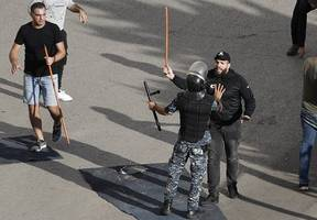 Lebanon Prime Minister Hariri resigns as crisis turns violent