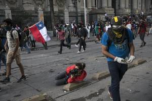chile withdraws from summits as street protests gain ground