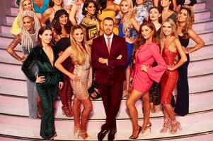 two scots girls looking for love on hit tv show take me out