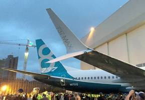boeing 737 makes emergency landing in moscow due to hydraulic system malfunction
