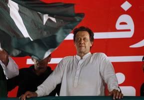 pakistan pm imran khan to launch largest ever scholarship programme