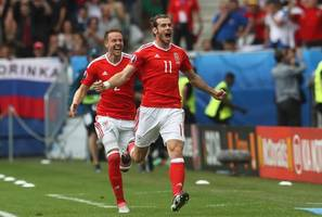 ryan giggs upbeat on gareth bale and aaron ramsey's fitness for wales' european qualifiers