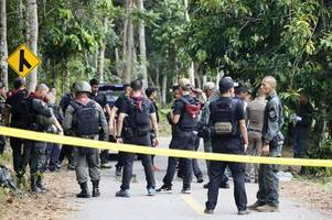 gunmen kill 15 in southern thailand's worst attack in years