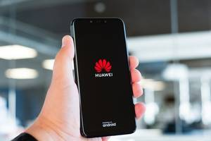 huawei banks on strong smartphone growth despite blacklist