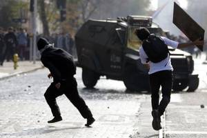 demonstrations in chile spread to upscale neighbourhoods in capital