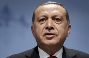 Erdogan repeats threat to 'open gates' for migrants into EU