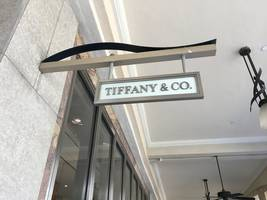 tiffany rises on report it called for sweetened bid from lvmh