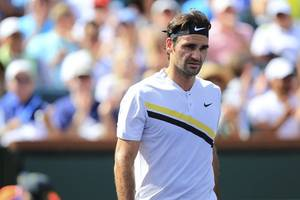 atp finals: federer faces early exit, djokovic cruises