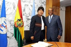 Bolivia's president resigns after losing backing of security forces