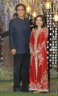 here's what shahid-mira, abhishek-aishwarya, srk wore at the ambani bash