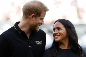 Prince Harry and Meghan Markle 'snub Christmas with the Queen' and will spend it in USA