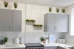 mum completes stunning kitchen transformation for just £200