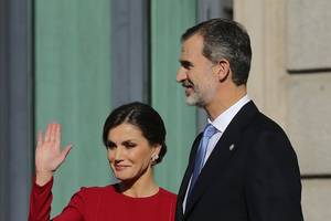 spanish king and queen arrive in cuba for first royal visit