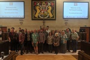 labour colleagues wear hawaiian shirts at council meeting in tribute to true working-class hero councillor mike langley
