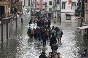 government set to declare state of emergency in venice: italian pm