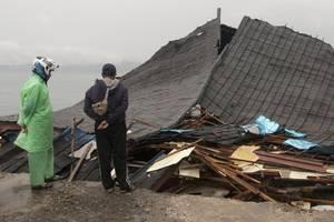 indonesia earthquake: tsunami warning after 7.4-magnitude quake hits near malaku islands