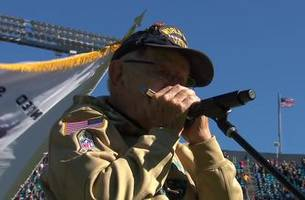 96-year-old wwii veteran pete dupré plays national anthem on harmonica at panthers game