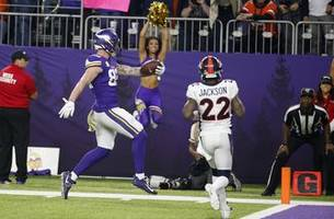 Broncos defense collapses again in 27-23 loss to Vikings