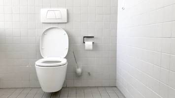 high-tech toilet coating does the dirty work for you