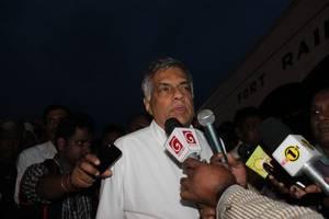 former sri lankan president rajapaksa seeks resignation of pm wickremesinghe
