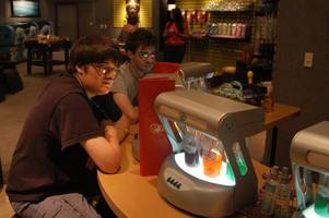 'pay to breathe?': 'oxygen bars' hit new delhi as india chokes under pollution & declares ...