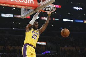 anthony davis surges, lebron makes more history and lakers get running against thunder