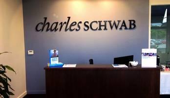 discount broker charles schwab in talks to buy td ameritrade