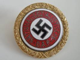 lebanese businessman donates €600k worth of nazi items to jewish community