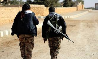 us and syria's kurds target isis in joint action