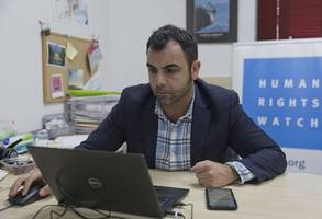 israel set to become first democracy to expel hrw staffer