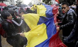 colombia's duque summons protest leaders for talks after days of unrest