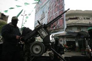 gaza militants fire 2 rockets at southern israel