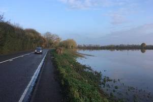 live: flood warnings return as river severn tidal surge could see a417 flooding at maisemore
