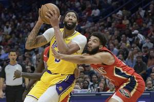 lakers dash to rout of wizards for 10th straight win