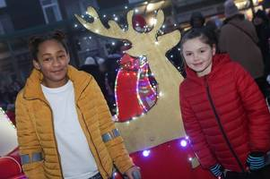 crowds turn out to watch calverton christmas lights switch-on