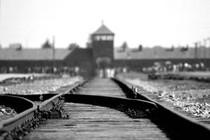 christmas ornaments with images of auschwitz removed from amazon