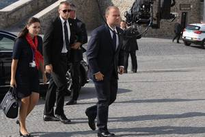 malta's premier says he will step down amid crisis over murdered journalist probe