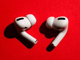 Apple's AirPods are so popular that the company may sell 3 million units over the Black Friday weekend alone, analysts predict (AAPL)