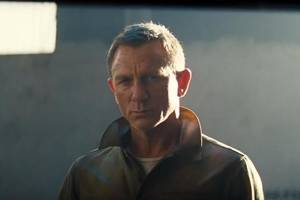 'No Time to Die' Teaser: James Bond Performs a Daring Motorcycle Jump in New Footage (Video)