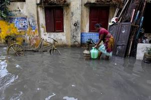at least 15 killed in tamil nadu due to heavy rainfall; schools, colleges closed