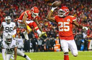 playoff scenarios: chiefs are in with win at new england and raiders loss