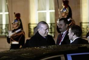 macron clashes with erdoğan over anti-isis kurdish fighters