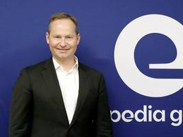 Expedia's CEO, who replaced Dara Khosrowshahi, is resigning along with the company's CFO as part of a leadership shakeup (EXPE)