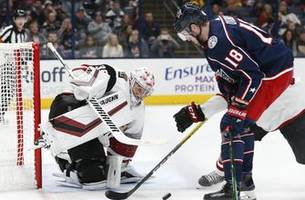 kuemper, coyotes hold off blue jackets 4-2