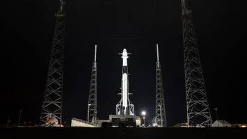 spacex delays crs-19 resupply mission launch due to high winds