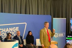 Nigel Farage labels NHS sale threat a 'scare tactic' during visit to Nottinghamshire