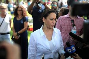 kamala harris should have never run for president