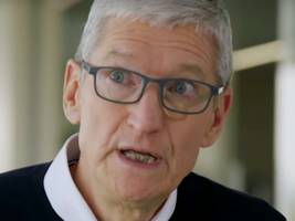 Apple Music users are roasting its 'kinda ugly' annual wrap-up feature, even as Spotify users excitedly post about their music listening years in review (SPOT, AAPL)