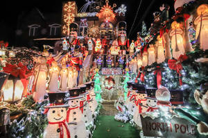 Feast Your Retinas On The 2019 Dyker Heights Christmas Lights